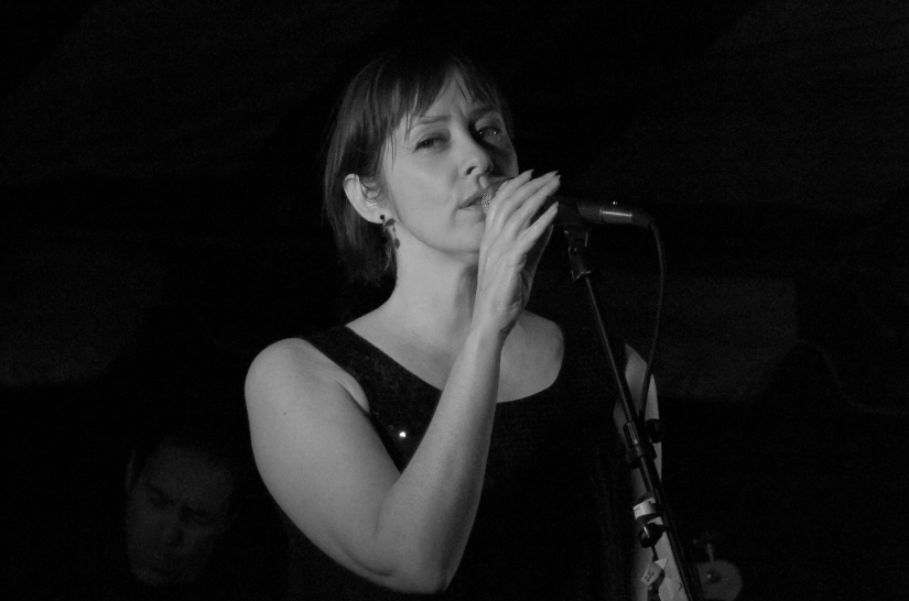 TBT – Suzanne Vega at HITSSaugerties